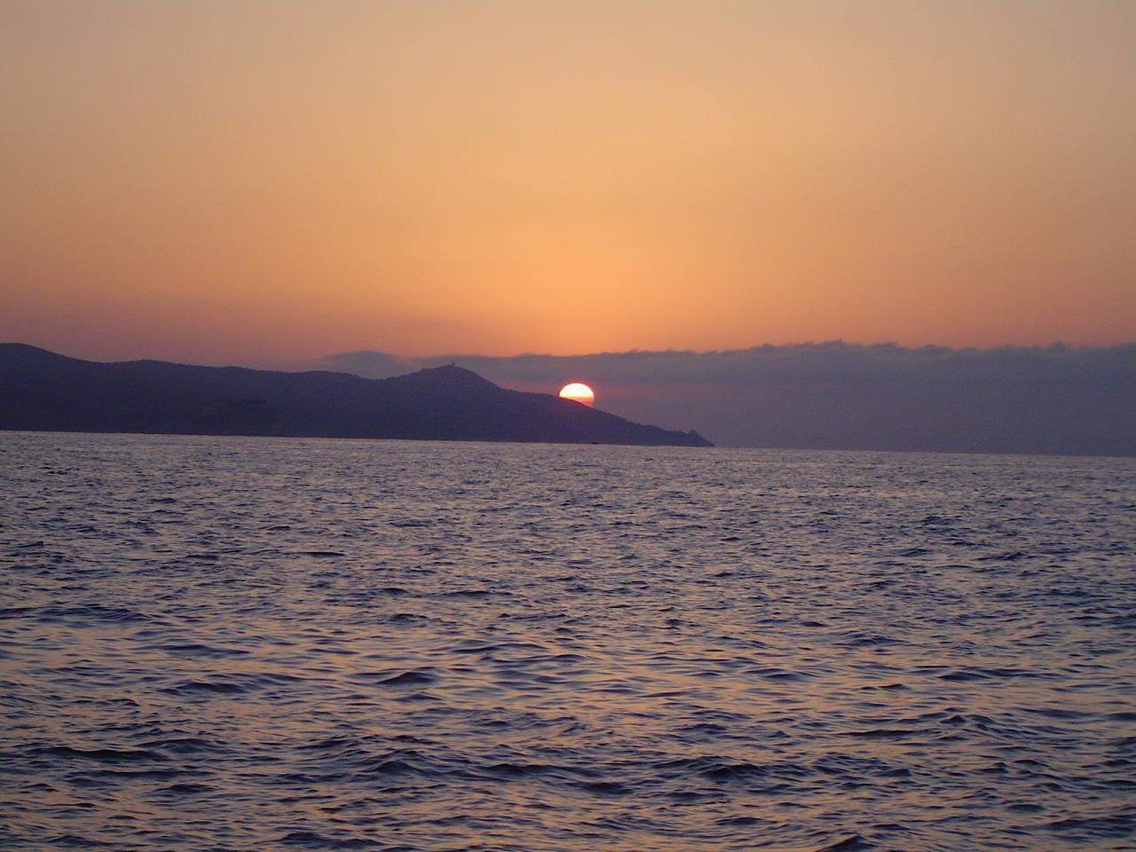 Lever du soleil sur le cap BLANC