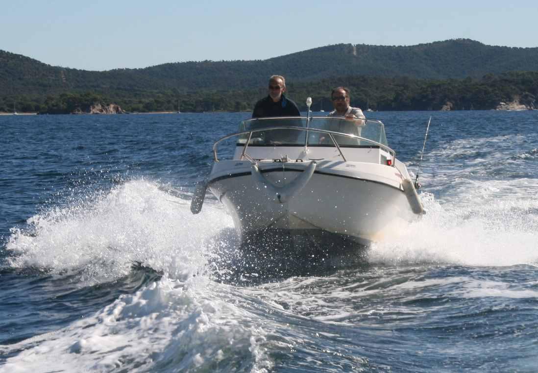 1 Le concours - En route la pêche Andre REMION à la barre