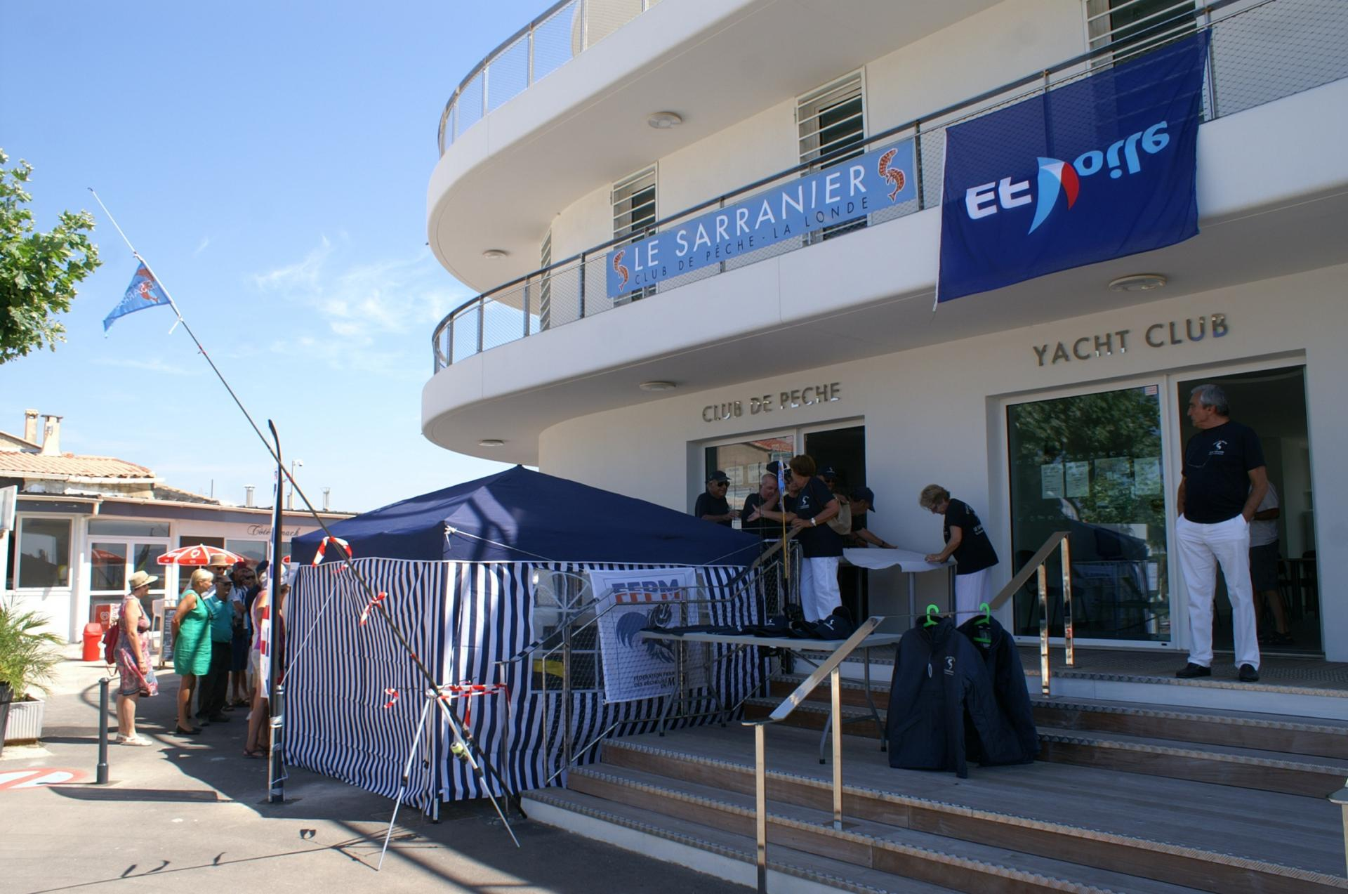 "03 Le stand attractif du club ""Le  Sarranier"""