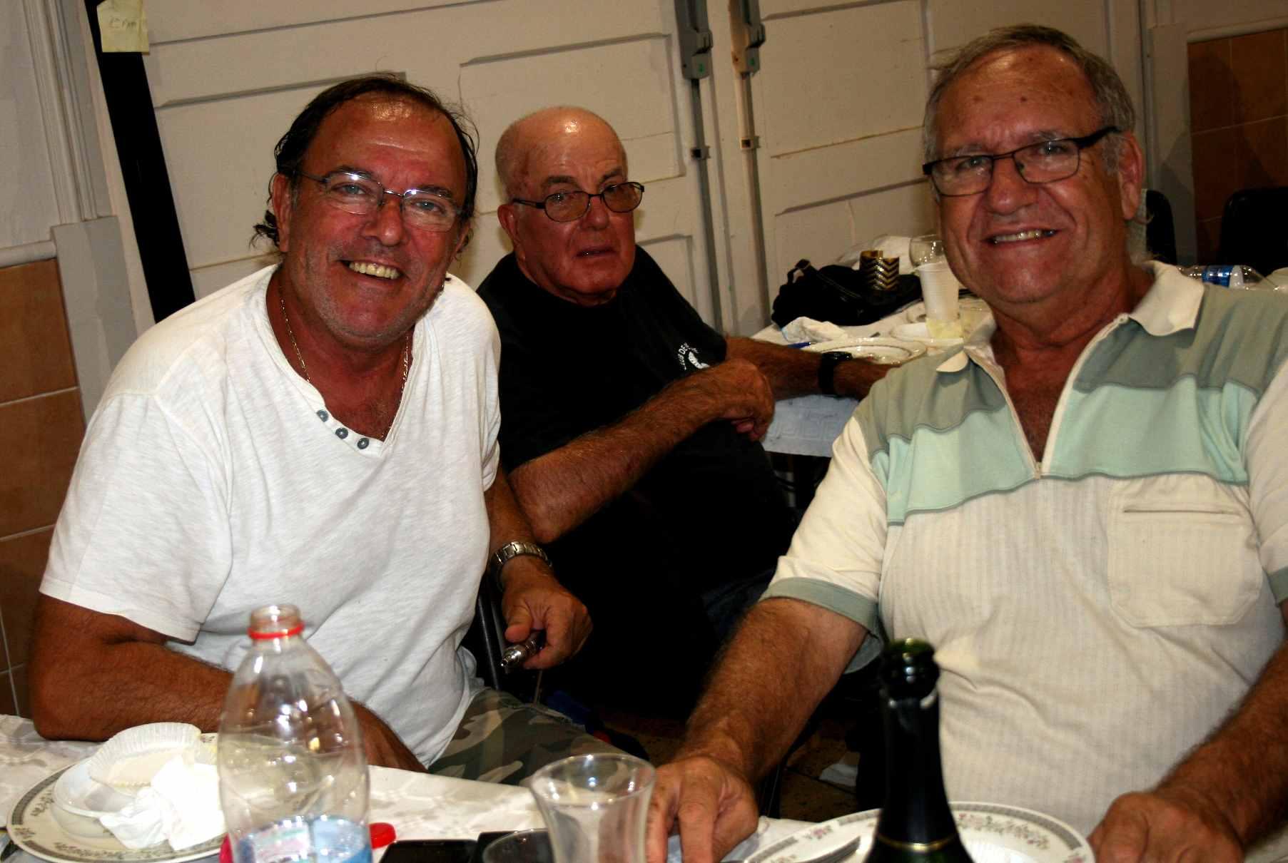 41 Le repas- Armando, son frère et Joseph