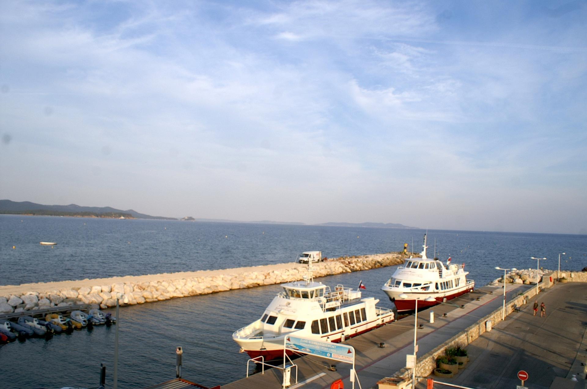 59 Vue du port depuis la terrasse