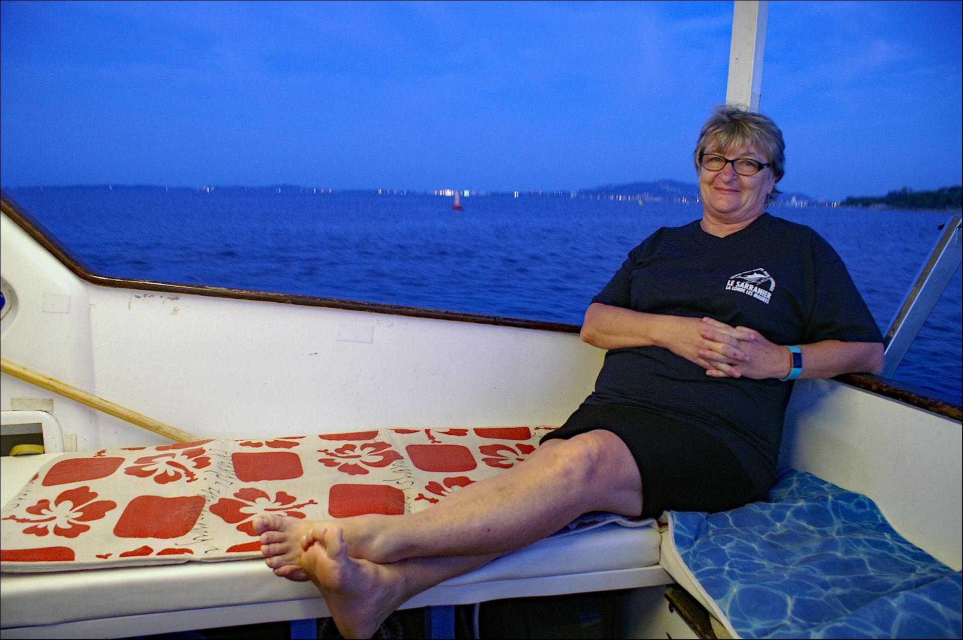 En mer, pour assister au départ, Sonia se repose enfin