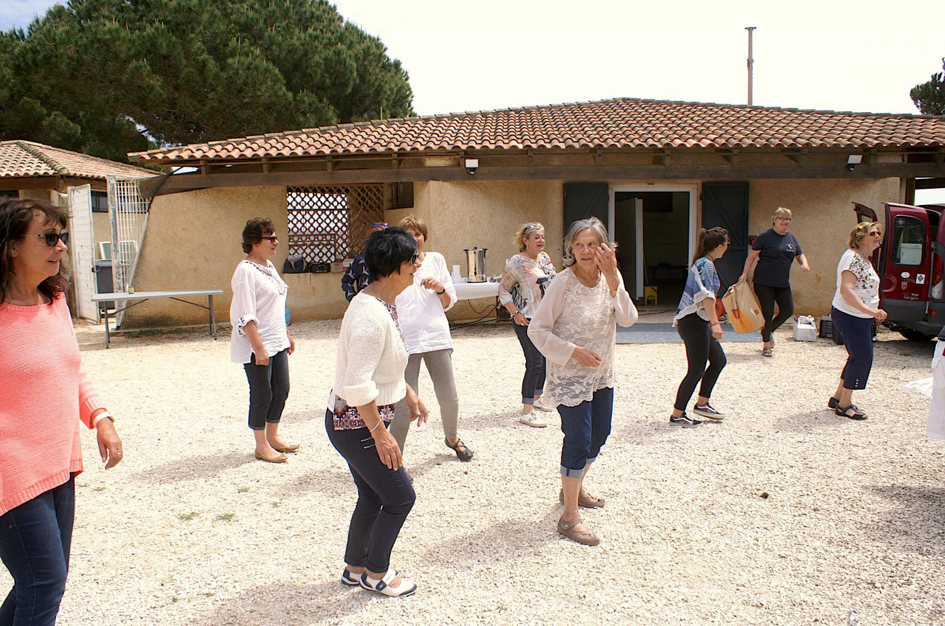Les femmes dansent 2