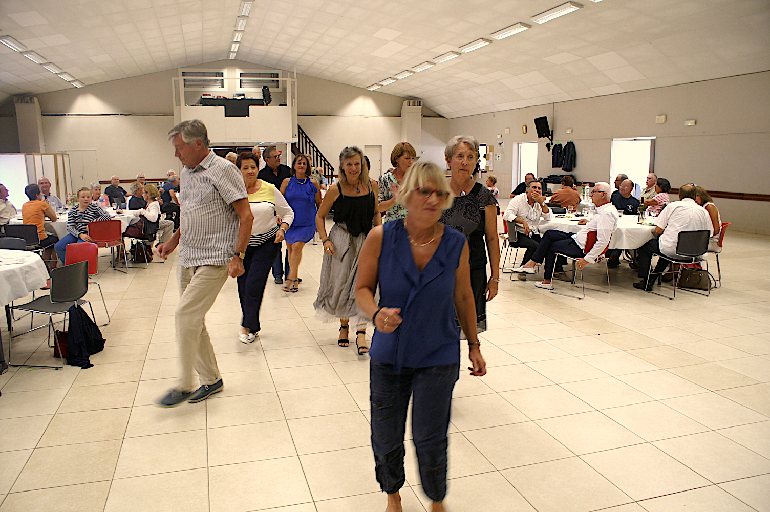On danse 8
